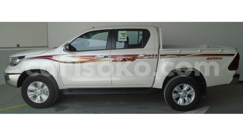 Big with watermark hilux1