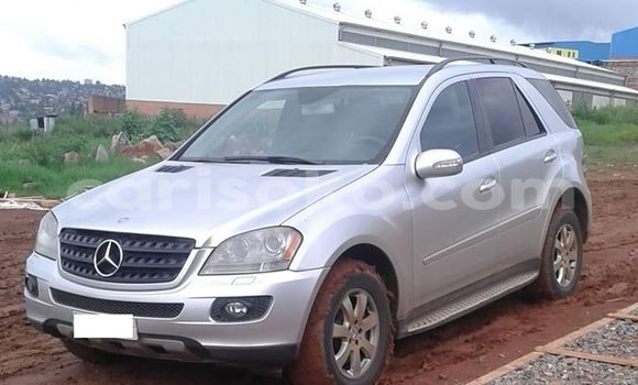 Buy Used Mercedes‒Benz ML–Class Black Car in Gicumbi in Rwanda