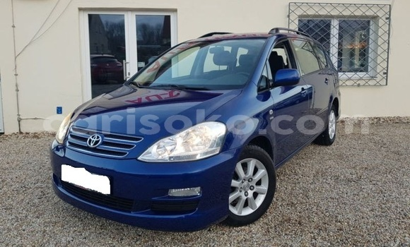 Buy Import Toyota Avensis Verso Blue Car in Nyamagabe in Rwanda