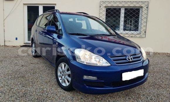 Buy Import Toyota Avensis Verso Blue Car in Musanze in Rwanda