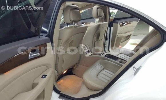 Buy Import Mercedes-Benz 190 (W201) White Car in Import - Dubai in Rwanda