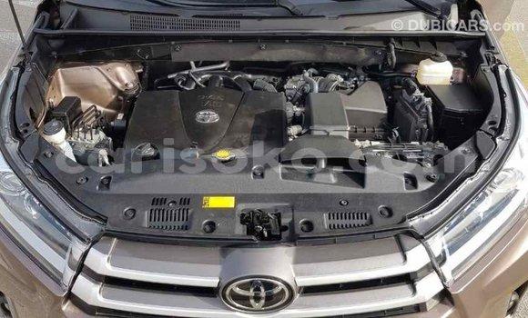Acheter Importé Voiture Toyota Highlander Marron à Import - Dubai, Rwanda