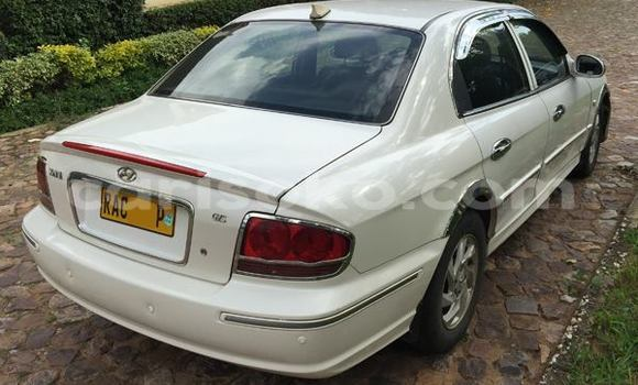 Buy Used Hyundai Sonata White Car in Gicumbi in Rwanda
