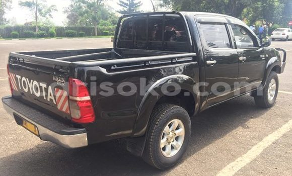 Buy Used Toyota Hilux Black Car in Gicumbi in Rwanda