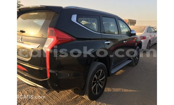 Buy Import Mitsubishi Montero Black Car in Import - Dubai in Rwanda
