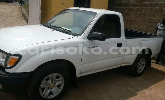 Acheter Occasions Voiture Toyota Tacoma Blanc à Kigali au Rwanda