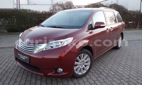 Buy Used Toyota Sienna Beige Car in Kigali in Rwanda
