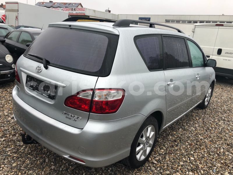 Big with watermark avensis2