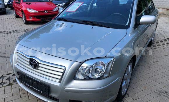Gura Imported Toyota Avensis Silver Imodoka i Nyanza mu Rwanda