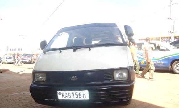Acheter Occasion Voiture Toyota 4Runner Noir à Kigali au Rwanda