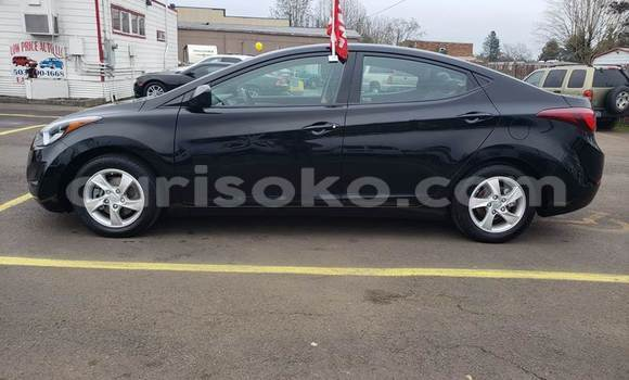 Gura Yakoze Hyundai Elantra Black Imodoka i Kigali mu Rwanda