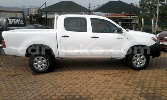 Buy Used Toyota Hilux White Car in Kigali in Rwanda