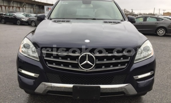Buy Import Mercedes-Benz M-klasse Black Car in Kigali in Rwanda