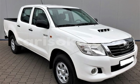 Buy Import Toyota Hilux Surf White Car in Nyagatare in Rwanda