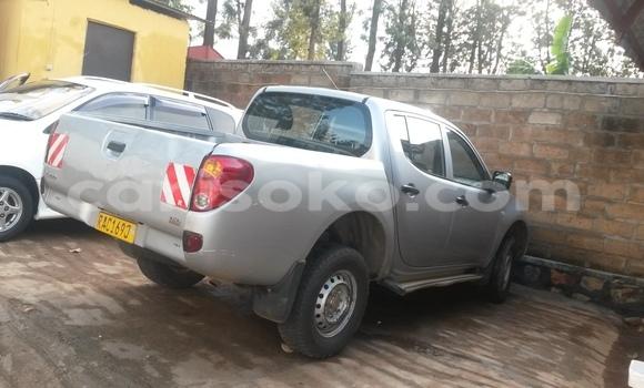 Acheter Neuf Voiture Mitsubishi L200 Autre à Kigali au Rwanda