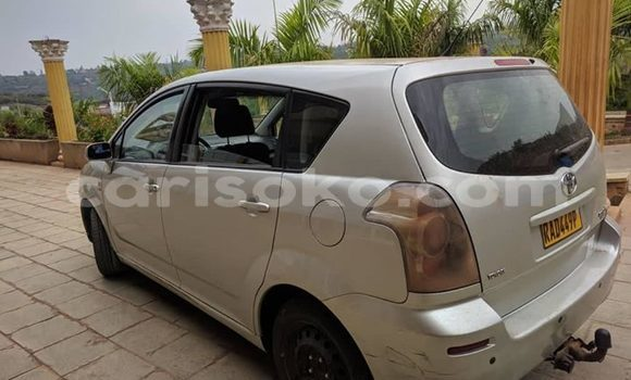 Buy Used Toyota Verso Beige Car in Kigali in Rwanda