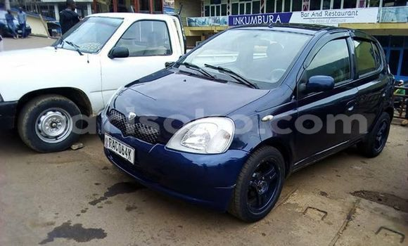 Gura Yakoze Toyota Vitz Blue Imodoka i Kigali mu Rwanda