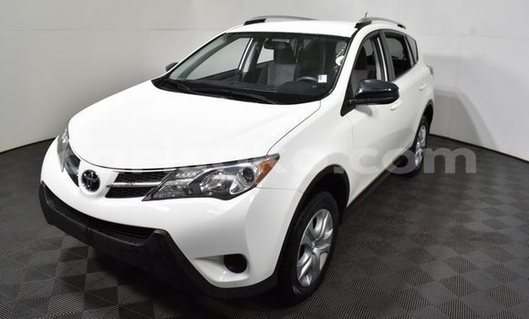Buy Import Toyota RAV4 White Car in Gisenyi in Gisenyi