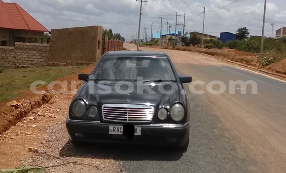 Buy Used Mercedes-Benz E-klasse Black Car in Kigali in Rwanda