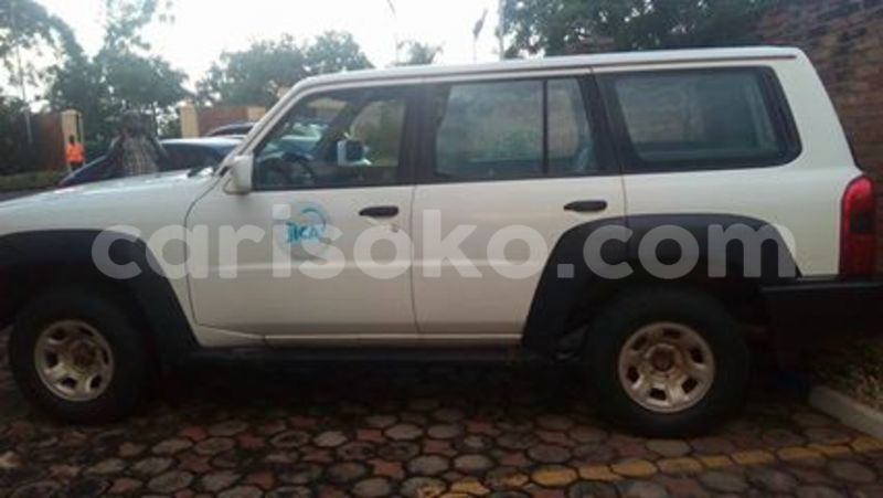 Big with watermark nissan p