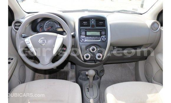 Acheter Importé Voiture Nissan Sunny Blanc à Import - Dubai, Rwanda