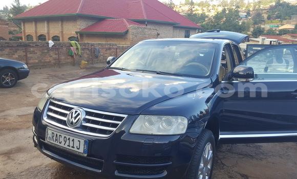 Acheter Occasions Voiture Volkswagen Touareg Bleu à Kigali au Rwanda