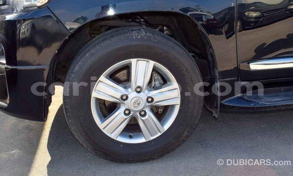Gura Imported Toyota Land Cruiser Black Imodoka i Import - Dubai mu Rwanda