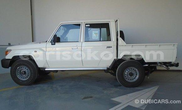 Buy Import Toyota Land Cruiser White Car in Import - Dubai in Rwanda