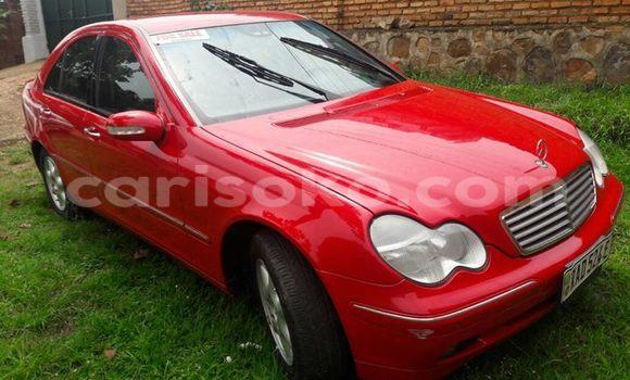 Acheter Occasion Voiture Mercedes‒Benz KOMPRESSOR Rouge à Gicumbi au Rwanda