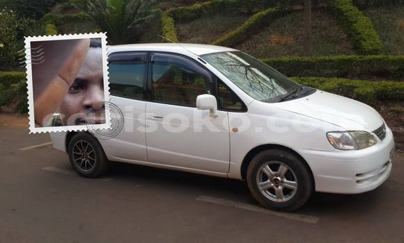 Buy Used Toyota Starlet White Car in Gicumbi in Rwanda