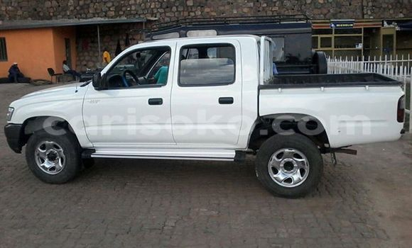 Buy Used Toyota Hilux White Car in Gicumbi in Rwanda