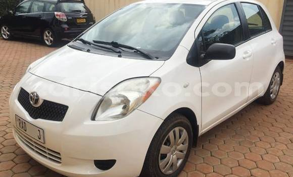 Buy Used Toyota Yaris White Car in Gicumbi in Rwanda