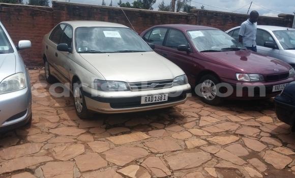 Gura Yakoze Toyota Carina Silver Imodoka i Kigali mu Rwanda