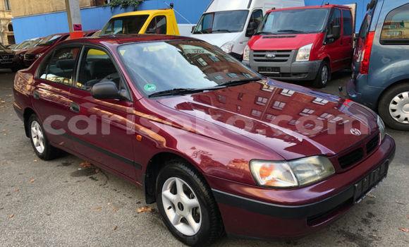 Gura Yakoze Toyota Carina E Beige Imodoka i Kigali mu Rwanda