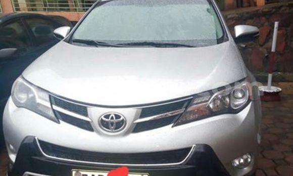 Gura Yakoze Toyota RAV4 Silver Imodoka i Kigali mu Rwanda