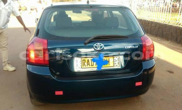 Gura Yakoze Toyota Corolla Blue Imodoka i Kigali mu Rwanda