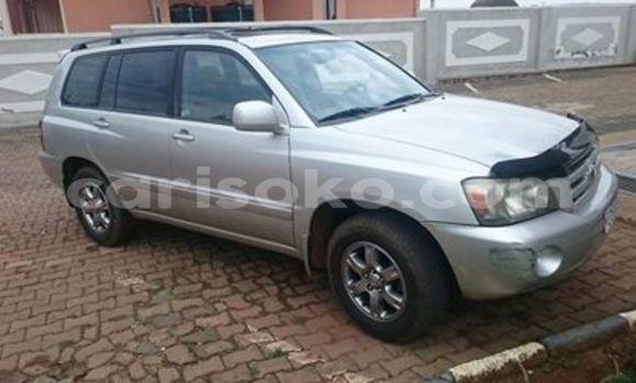 Buy Used Toyota Highlander Beige Car in Kigali in Rwanda
