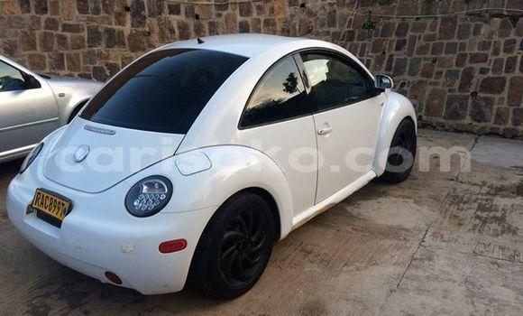 Acheter Occasion Voiture Volkswagen Beetle Blanc à Gicumbi au Rwanda