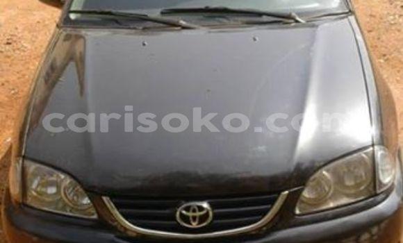 Gura Yakoze Toyota Avensis Black Imodoka i Kigali mu Rwanda