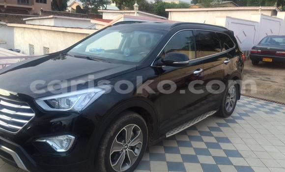 Acheter Occasion Voiture Hyundai Santa Fe Noir à Kigali au Rwanda