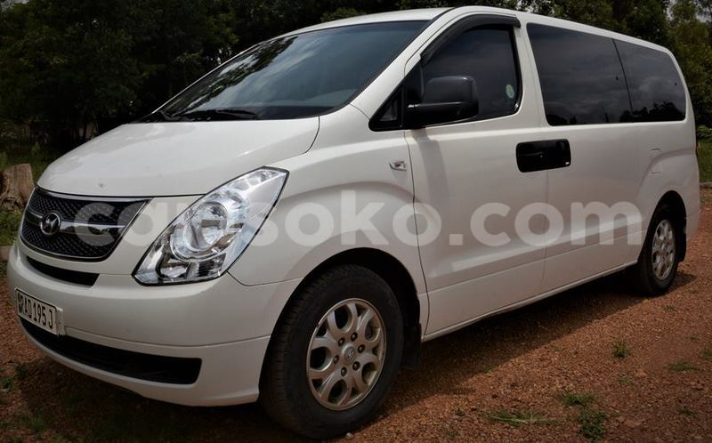 Big with watermark hyundai starex cvx 2