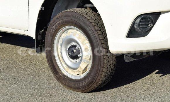 Buy Import Toyota Hilux White Car in Import - Dubai in Rwanda