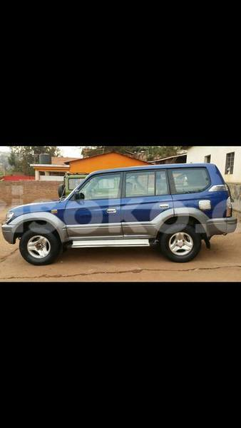 Big with watermark landcruiser adele 0788227094 1999 8m auto