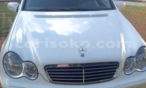Acheter Occasion Voiture Mercedes‒Benz KOMPRESSOR Blanc à Kigali au Rwanda