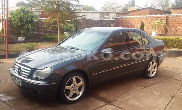 Buy Used Mercedes-Benz E–Class Black Car in Kigali in Rwanda