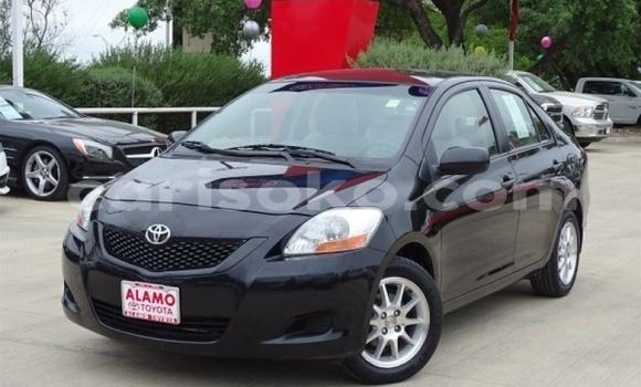 Acheter Importé Voiture Toyota Yaris Noir à Gasarenda, Rwanda