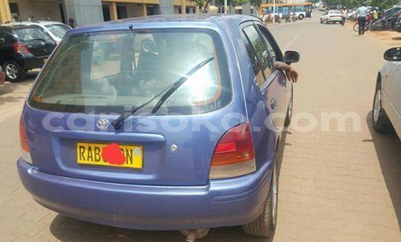 Gura Yakoze Toyota Starlet Blue Imodoka i Kigali mu Rwanda