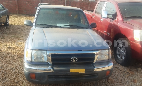 Acheter Occasion Voiture Toyota Tacoma Bleu à Kigali au Rwanda