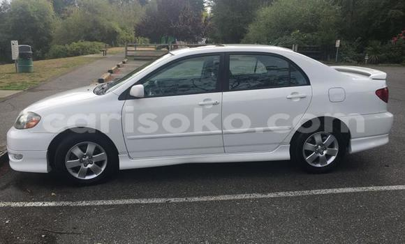 Acheter Occasion Voiture Toyota Corolla Blanc à Kigali, Rwanda