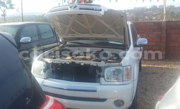 Acheter Occasion Voiture Toyota Tundra Blanc à Kigali au Rwanda